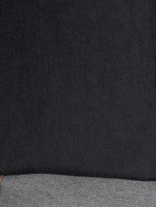 Джинсы прямого кроя из темного денима - Деталь2
