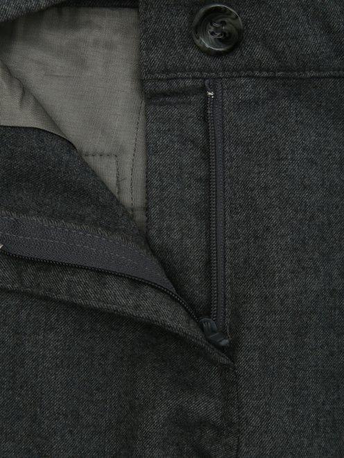 Брюки прямого фасона с поясом - Деталь1
